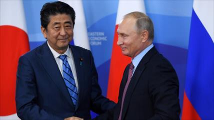 Abe: Si Rusia entrega las islas Kuriles no habrá bases de EEUU