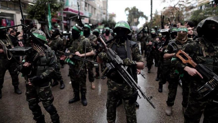 Miembros del Movimiento de Resistencia Islámica de Palestina (HAMAS) en un desfile militar.