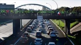 Franceses protestan por el aumento del precio del combustible