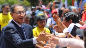 Vizcarra logra récord de aprobación tras crisis en el fujimorismo
