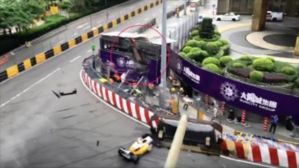 Vídeo: Una piloto sale volando de la pista en Fórmula 3 en China