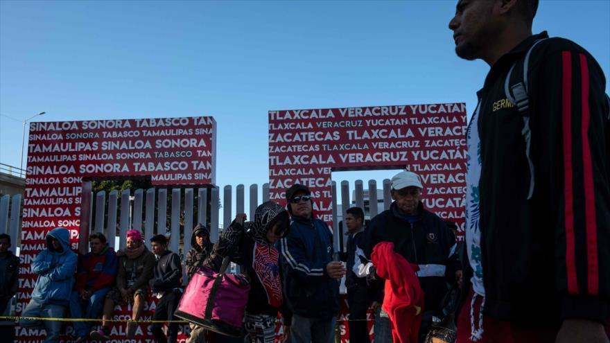 Protestas pro y contra caravana migrante en frontera México-EEUU