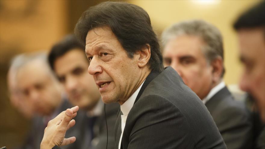El primer ministro de Paquistán, Imran Jan, en una reunión en Pekín, la capital de China, 2 de noviembre de 2018. (Foto: AFP)