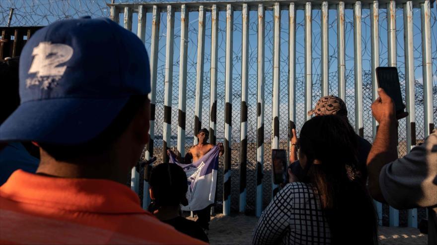 Un juez de EEUU impide a Trump prohibir entrada de migrantes