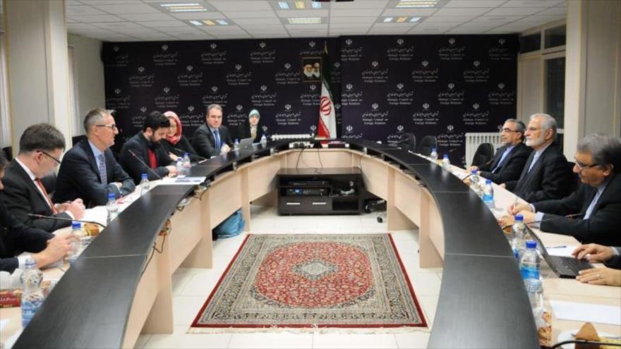 Irán: Europa debe cumplir el pacto nuclear pese a presiones de EEUU