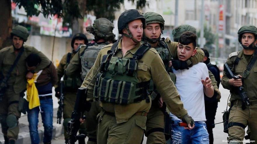 Informe: Israel arrestó a más de 900 menores palestinos en 2018