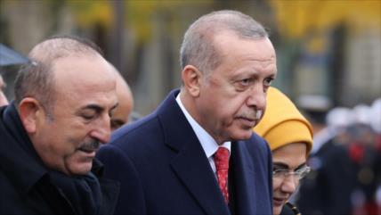 Erdogan acusa al 'famoso judío' Soros de apoyar a filántropo preso