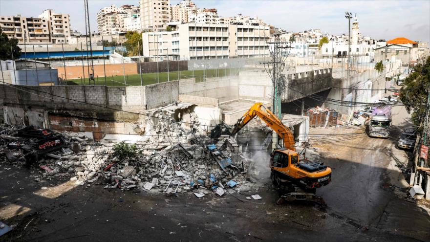 Vídeo: Israel demuele decenas de tiendas palestinas en Al-Quds