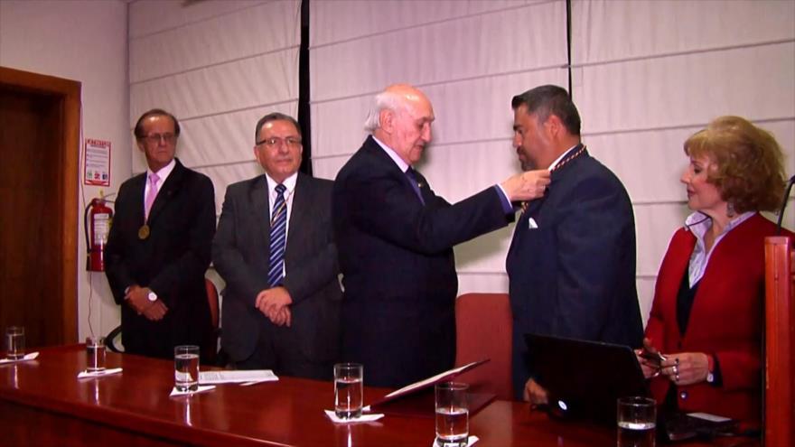 Reportero de HispanTV en Quito, incorporado a Academia de Historia