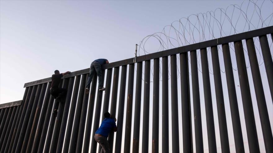 Trump urge al Congreso que ya es 'hora' de erigir muro con México