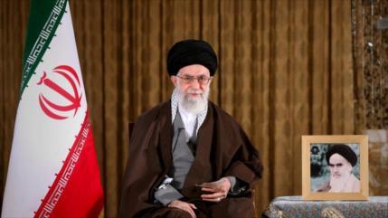 Líder de Irán indulta a 1086 convictos por nacimiento del Profeta