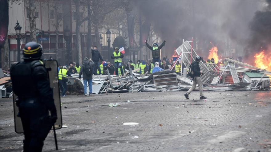 130 detenidos en Francia en protestas de 'chalecos amarillos' | HISPANTV