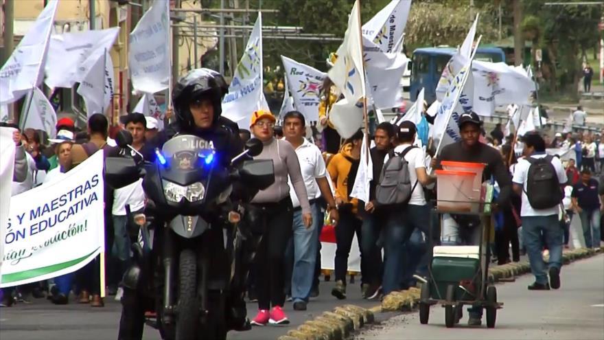 Marchas contra Gobierno de Ecuador por la crisis de su gabinete