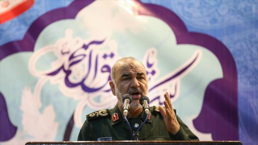 General de brigada Hosein Salami, subcomandante del Cuerpo de Guardianes de Irán, habla en el mausoleo del Imam Jomeini (P), 25 de noviembre de 2018.