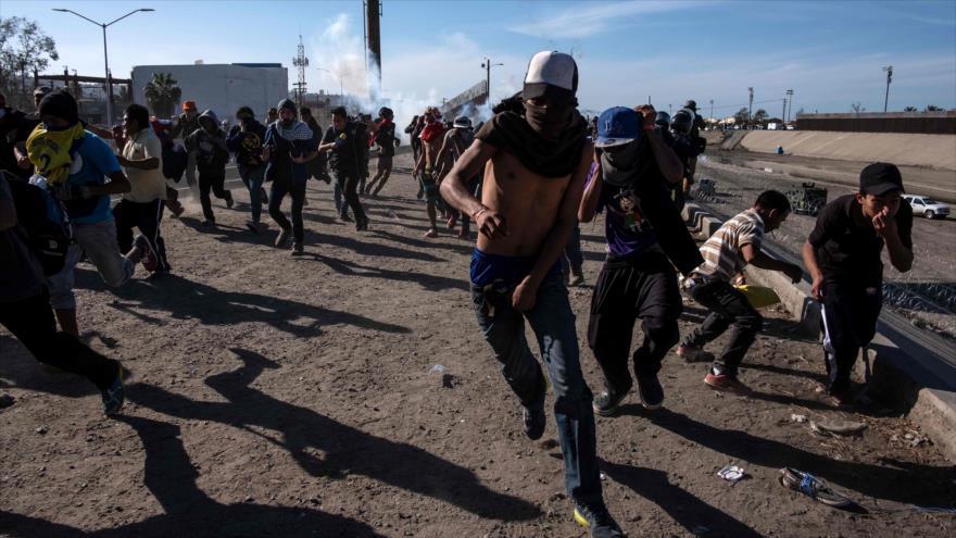 EEUU, tras reprimir a migrantes, reabre paso fronterizo de San Ysidro