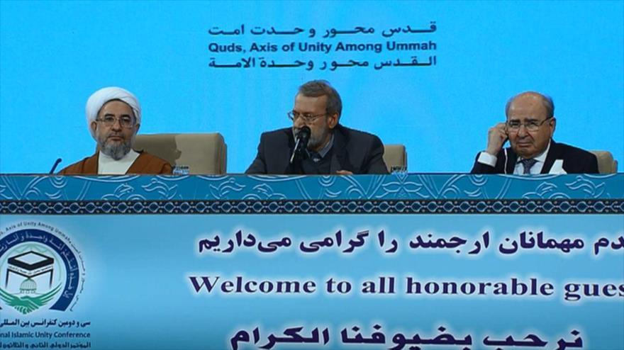 El presidente del Parlamento iraní, Ali Lariyani, en el acto de clausura de la 32.ª Conferencia Internacional de la Unidad Islámica, 26 de noviembre de 2018.