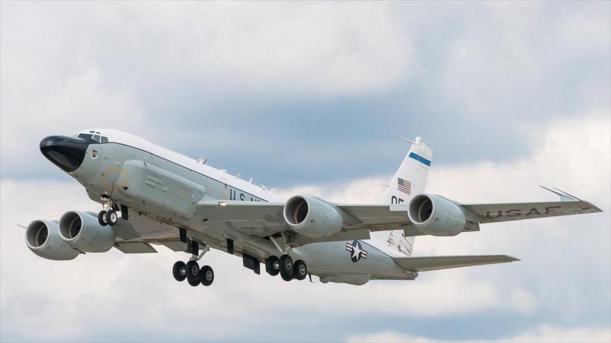 Avión espía de EEUU monitorea zona de tensión entre Rusia y Ucrania