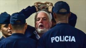 Envían a juicio a expresidente panameño por presunto espionaje
