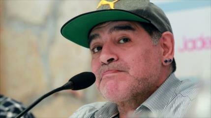 Vean larga pausa de Maradona cuando opina sobre fútbol mexicano