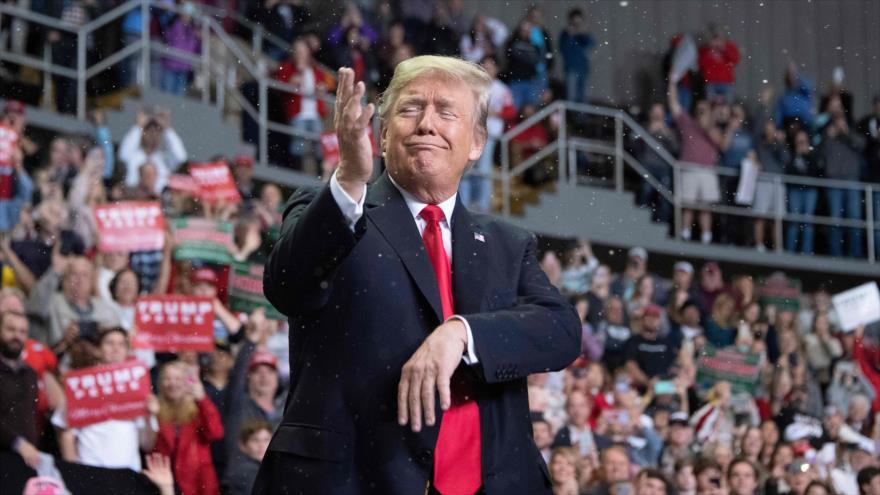 El presidente de Estados Unidos, Donald Trump, durante un mitin político en el estado de Misisipi (centro-suroeste), 26 de noviembre de 2018. (Foto: AFP)