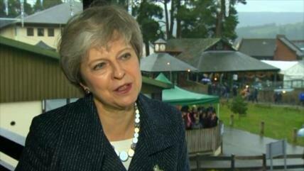 """Caótico Brexit: May insiste en que no hay """"plan B"""""""