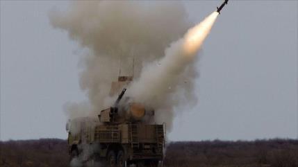 """Siria derriba """"objetivos enemigos"""" al sur de Damasco"""