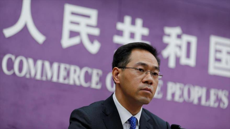 El portavoz del Ministerio de Comercio de China, Gao Feng, en una rueda de prensa ofrecida desde Pekín, capital china, 29 de noviembre de 2018.