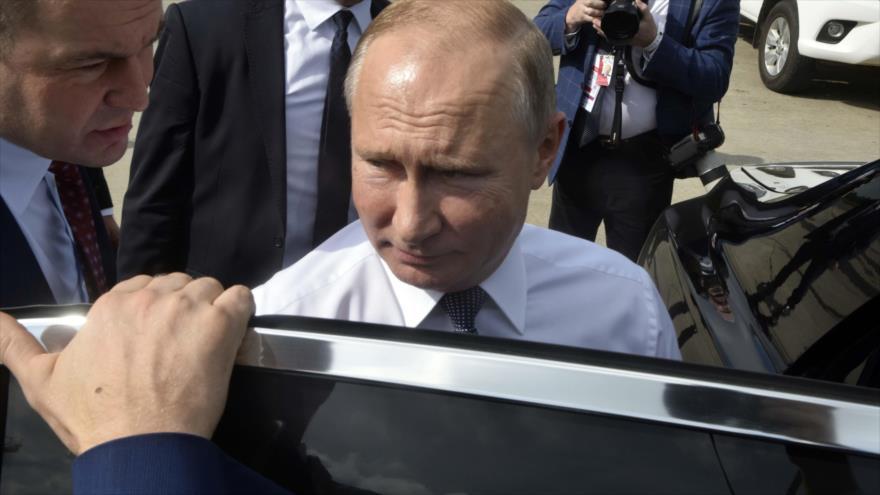 Putin alerta que ataque químico de Alepo no 'debería quedar impune'
