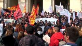 Profesores en el sistema educativo italiano realizan huelga