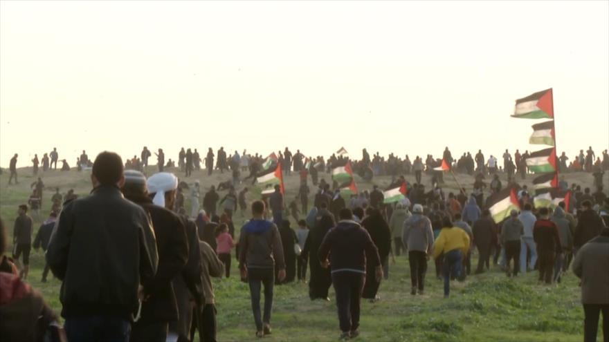 Fuerzas israelíes atacan a palestinos durante Marchas del Retorno