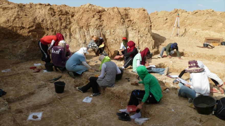 Un grupo de arqueólogos en el barranco de Ain Boucherit, en el norte de Argelia.