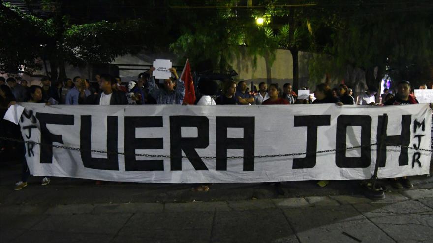 Manifestantes exigen la renuncia del presidente Juan Orlando Hernández, en Tegucigalpa, capital de Honduras, 30 de noviembre de 2018. (Foto:AFP)