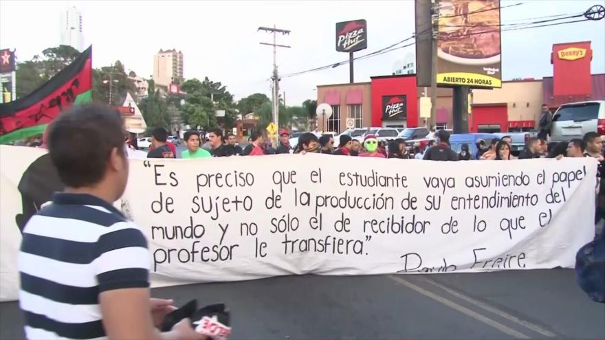 Sectores sociales hondureños insisten en una convocatoria a ANC