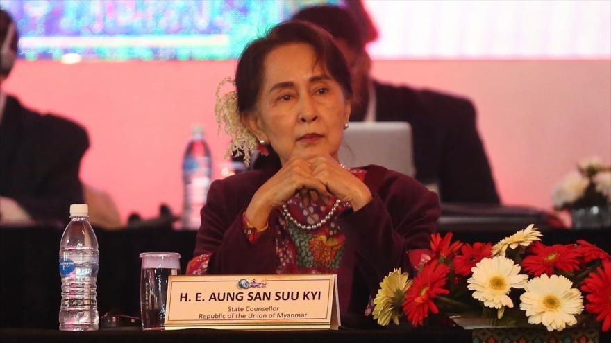 Aung San Suu Kyi, líder de facto de Birmania, asiste a una cumbre en Katmandú, capital de Nepal, 1 de diciembre de 2018. (Foto: AFP)