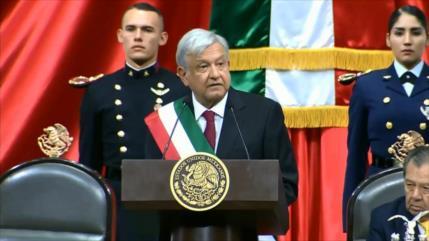 Obrador, investido primer presidente de izquierda de México