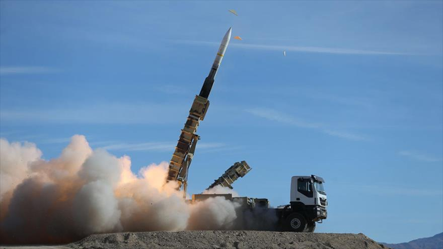 El misil Sayad, disparado desde el sistema de misiles Talash durante un simulacro de defensa antiaérea, 5 de noviembre de 2018. (Foto: AFP)