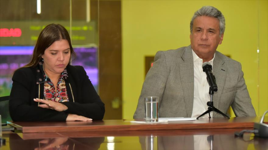 Moreno retira de funciones a vicepresidenta por cobros indebidos
