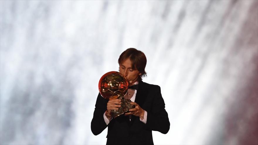 El futbolista croata Luka Modric se alza con el Balón de Oro 2018