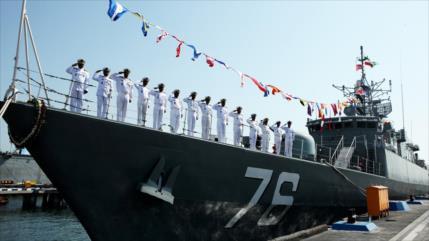 'Nuevo destructor iraní desafía a Armada de EEUU en Golfo Pérsico'
