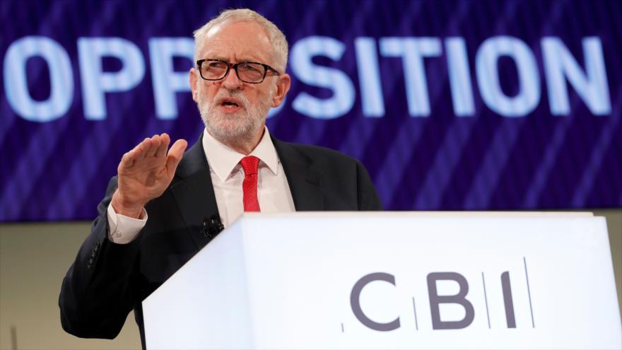 Corbyn pide a May 'acciones concretas' contra Riad en vez de palabras