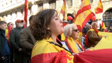 Protestas a favor y en contra de la Constitución española