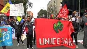 Los estudiantes universitarios salen a marchar en Colombia