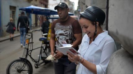 Vídeo: Pese al bloqueo de EEUU, Cuba comercializa Internet móvil