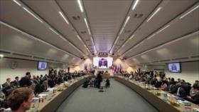 OPEP desafía a Trump: acuerda reducir su producción de crudo