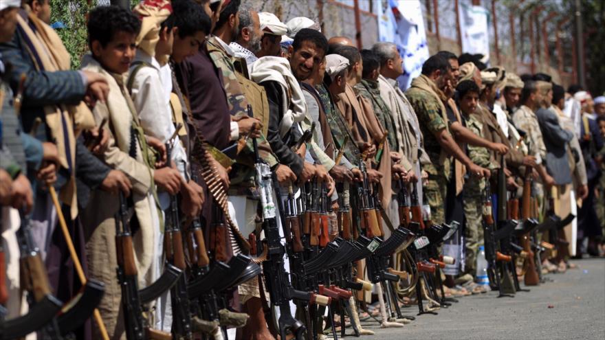 Ansarolá rechaza abandonar el estratégico puerto de Al-Hudayda