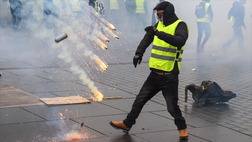Fuego, violencia y choques durante protestas de Francia