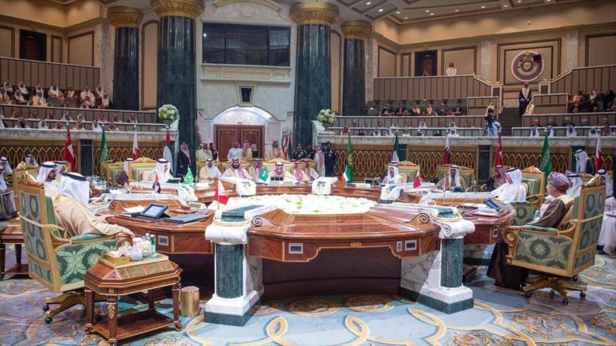 Países árabes del Golfo Pérsico se reúnen en Riad en medio de tensiones