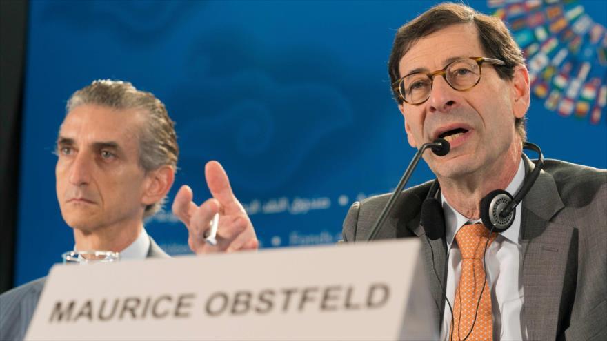 Maurice Obstfeld, economista jefe del Fondo Monetario Internacional (FMI), en una rueda de prensa en Indonesia, 9 de octubre de 2018. (Foto: AFP)