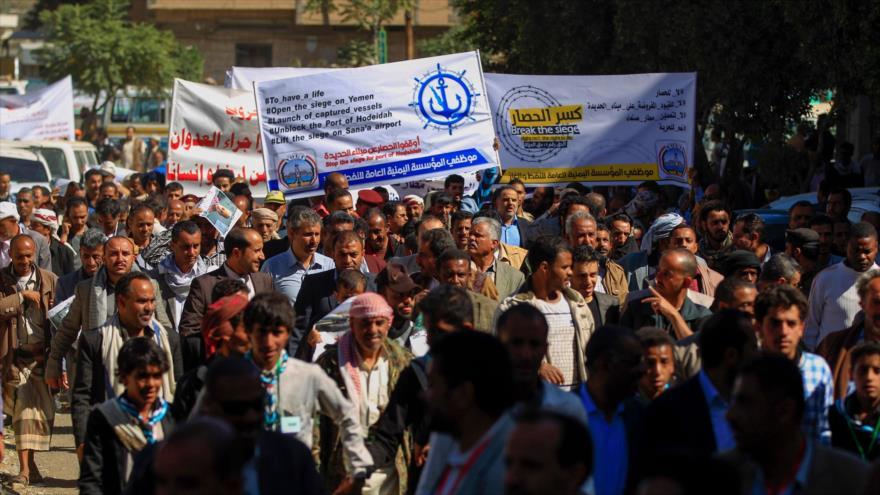 Yemeníes piden el fin del bloqueo saudí al puerto de Al-Hudayda