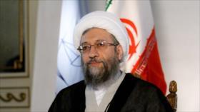 Irán critica 'doble moral' de Occidente tras protestas en Francia